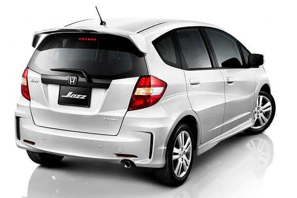 Sewa Mobil Rental Honda-Jazz-Facelift-2012-RS