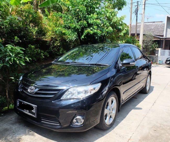 Rental-Mobil-Corolla-Altis-Dual-VVTI-Automatic-2013